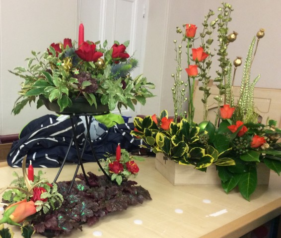 Flower arranging led by Lynne December 2018 - photo 3